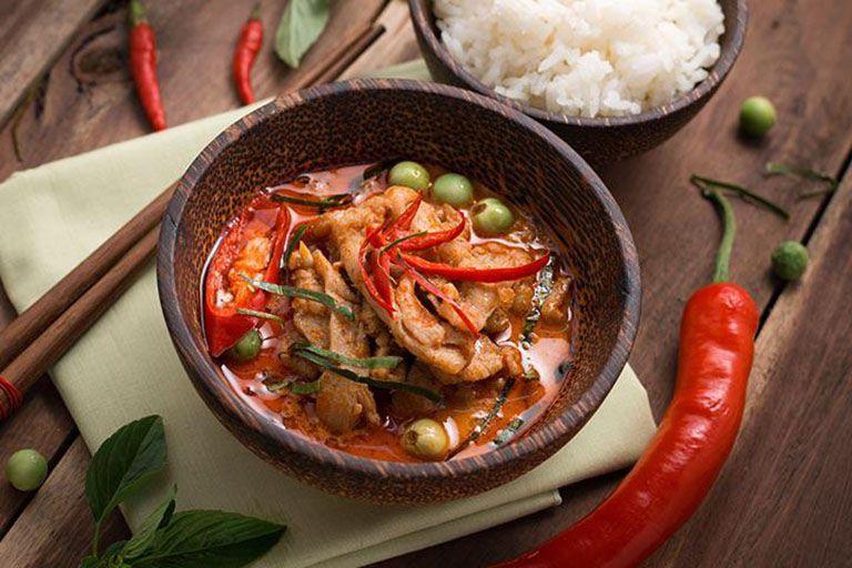 Đồ ăn chua, cay nóng không tốt cho bệnh nhân đau dạ dày
