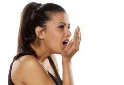 Ợ chua là bệnh gì? Dấu hiệu phân biệt và biện pháp điều trị