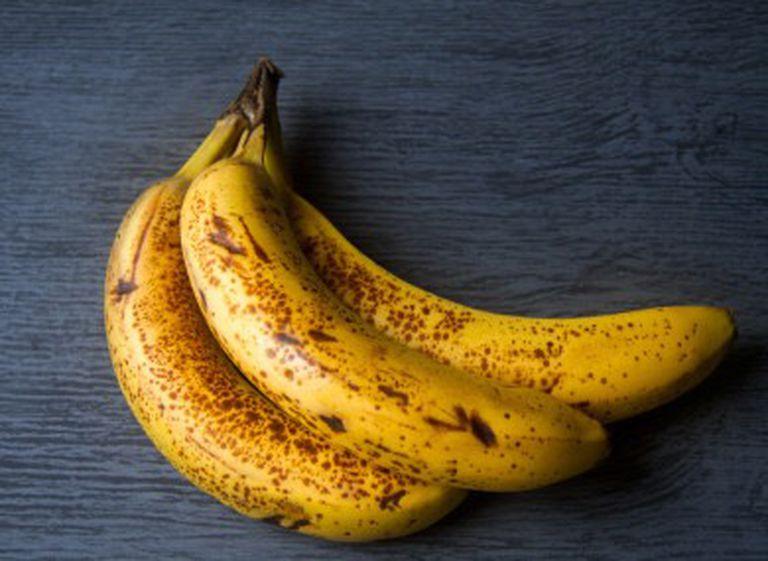 Người bị đầy bụng ợ hơi nên ăn gì? Chuối chín là thực phẩm tốt cho bệnh nhân