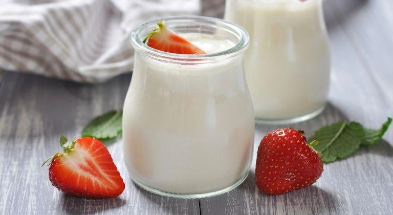 Người mắc bệnh đau dạ dày có nên ăn sữa chua