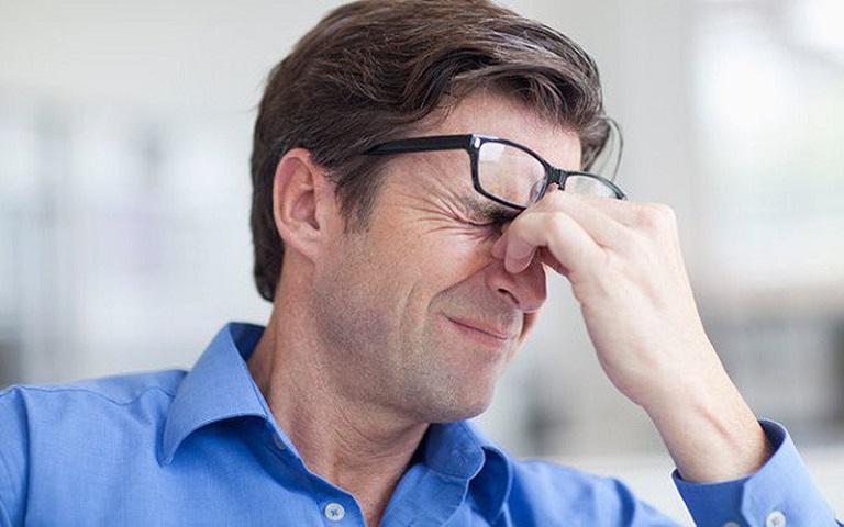 Lo âu, căng thẳng có thể làm tình trạng đau dạ dày nặng hơn