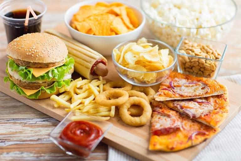 Người bệnh nên hạn chế ăn thực phẩm nhiều dầu mỡ