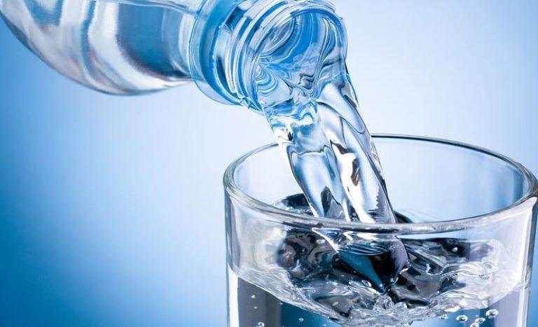 Nước lọc có khả năng trung hòa acid dạ dày rất tốt
