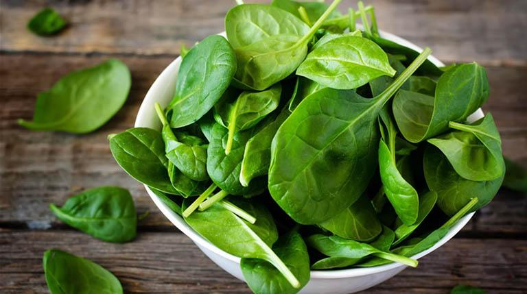 Bệnh nhân bị viêm loét hang vị dạ dày nên ăn gì? Rau xanh là thực phẩm không thể bỏ qua