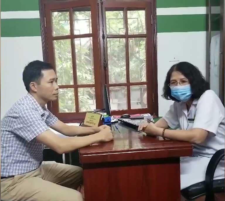 Trực tiếp thăm khám và điều trị cho anh Nguyễn Văn Phán là bác sĩ Tuyết Lan